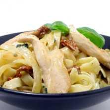kyckling pasta tomatsås basilika